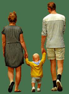 הורים הולכים עם ילד